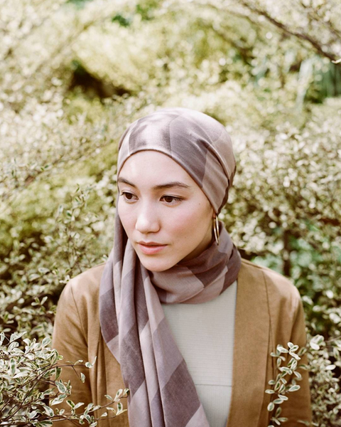 Wrap, People in nature, Beige, Shawl, Scarf, Stole, Portrait photography, Portrait, Tradition,