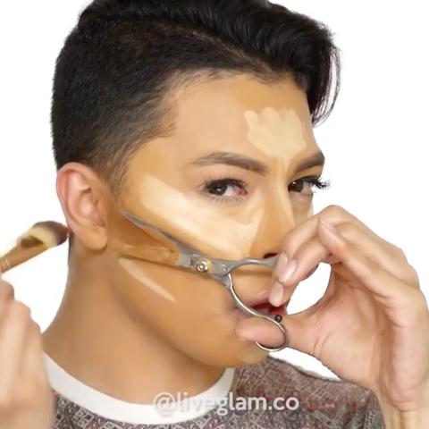 Ear, Finger, Cheek, Hairstyle, Skin, Forehead, Eyebrow, Earrings, Hand, Eyelash,