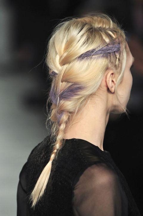Hair, Hairstyle, Style, Earrings, Blond, Long hair, Brown hair, Hair coloring, Bun, Chignon,