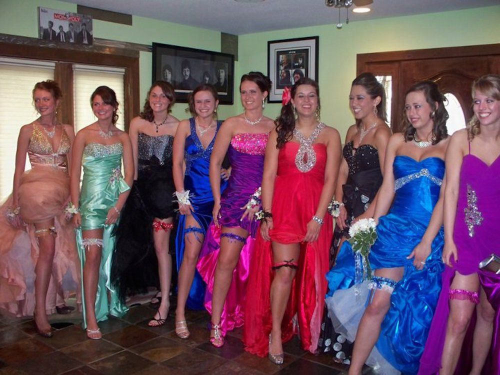 084407fbd1b 8 Weird Prom Traditions You Won t Believe