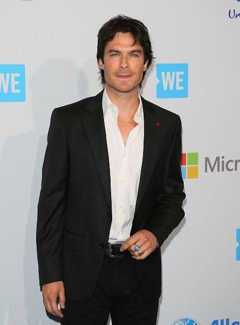 Coat, Dress shirt, Sleeve, Trousers, Collar, Shirt, Outerwear, Standing, Suit, Formal wear,