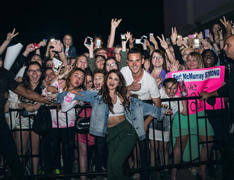 Selena gomez might cancel fan meet and greets for this scary reason getty imagesinstagramselenagomez m4hsunfo