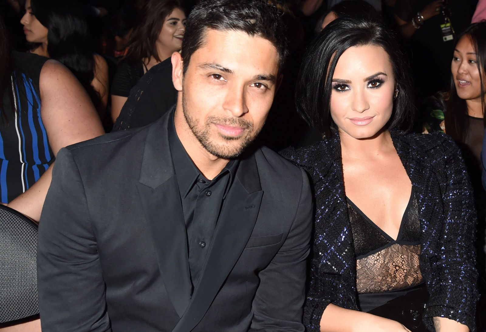 Is demi lovato dating wilmer