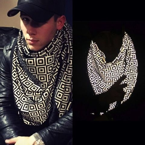 Nick Jonas ISHU scarf