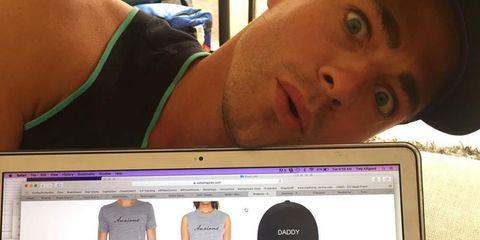 Lip, Cheek, Product, Skin, Sleeve, Forehead, Shoulder, Eyebrow, Joint, Sportswear,