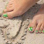 Toe, Nail, Foot, Leg, Sand, Finger, Hand, Nail care, Soil, Human body,