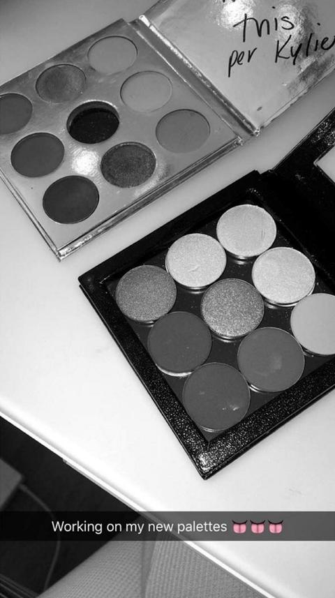 Tints and shades, Cosmetics, Circle, Eye shadow, Still life photography, Silver, Square,