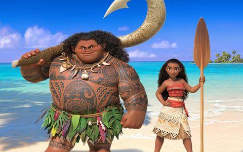 People in nature, Waist, Abdomen, Trunk, Crescent, Animation, People on beach, Horn, Tropics, Beach,