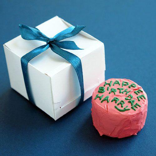 Miniature Harry Potter's Birthday Cake Magnet / Keyring