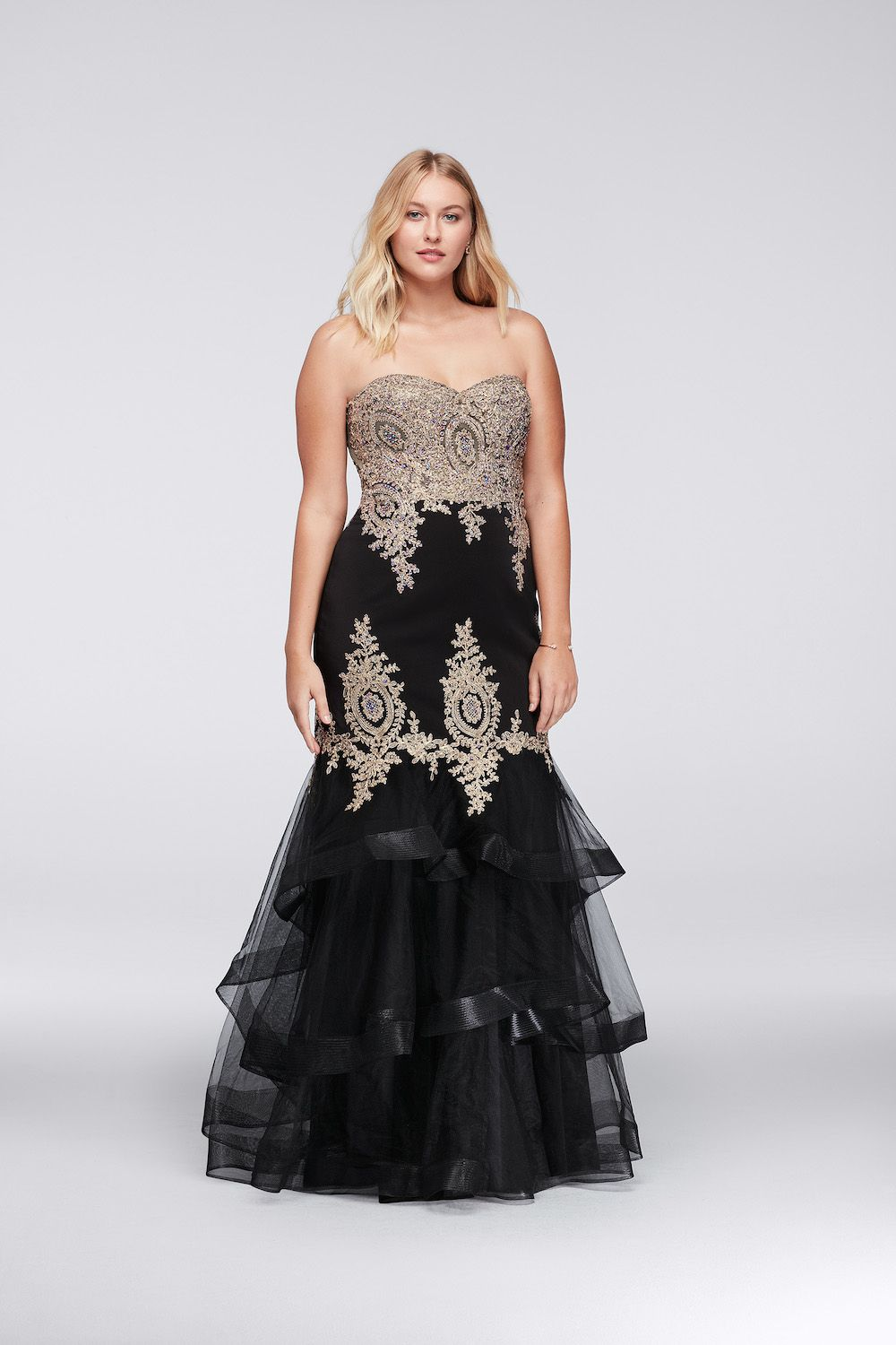 30 Best Black Prom Dresses 2018 - Dark Formal Dresses for Prom