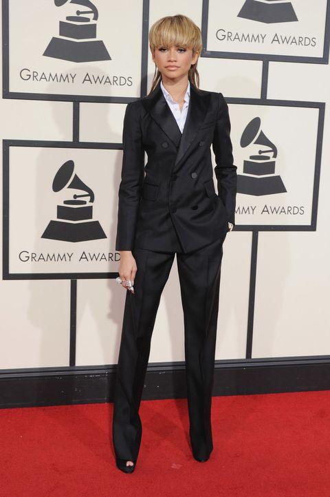 Collar, Trousers, Coat, Dress shirt, Outerwear, Flooring, Formal wear, Style, Suit trousers, Carpet,