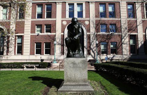 Window, Sculpture, Facade, Landmark, Memorial, Monument, Brick, Bronze sculpture, Sash window, Bench,