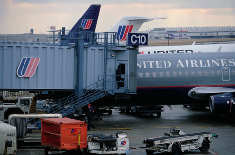 Vehicle, Airline, Airplane, Air travel, Airport, Airliner, Jet bridge, Aircraft, Aviation, Transport,