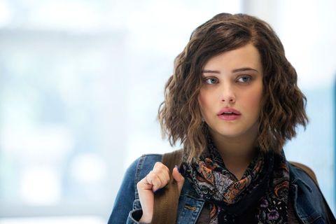 Hair, Face, Hairstyle, Beauty, Lip, Eyebrow, Chin, Long hair, Fashion, Brown hair,
