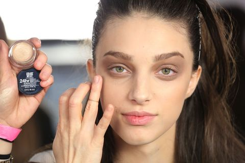 Finger, Lip, Brown, Hairstyle, Skin, Forehead, Eyebrow, Wrist, Hand, Eyelash,
