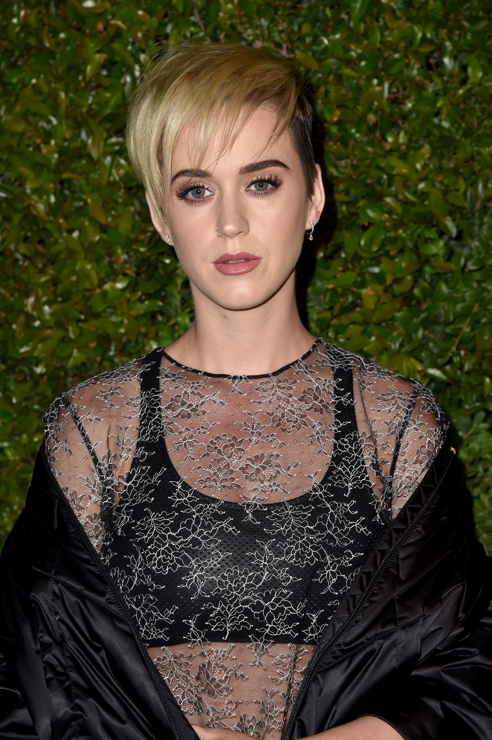 15 Best Short Hairstyles 2018 Easy Bob And Pixie Cut Styles For Girls
