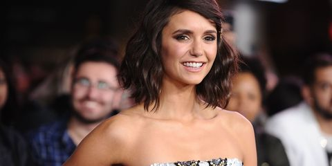 Hair, Hairstyle, Beauty, Eyebrow, Smile, Fashion, Shoulder, Brown hair, Premiere, Event,
