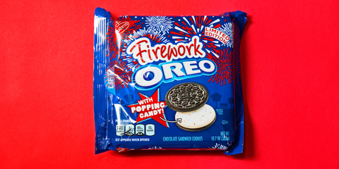 Oreo, Snack, Cookies and crackers, Food, Cookie, Finger food, Baked goods,