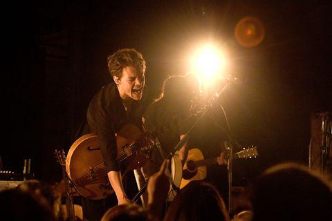 Musical instrument, Musician, String instrument, Music, Plucked string instruments, Guitarist, String instrument, Musical instrument accessory, Entertainment, Performing arts,