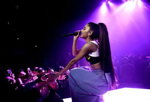 Performance, Entertainment, Music artist, Performing arts, Concert, Music, Stage, Musician, Purple, Event,