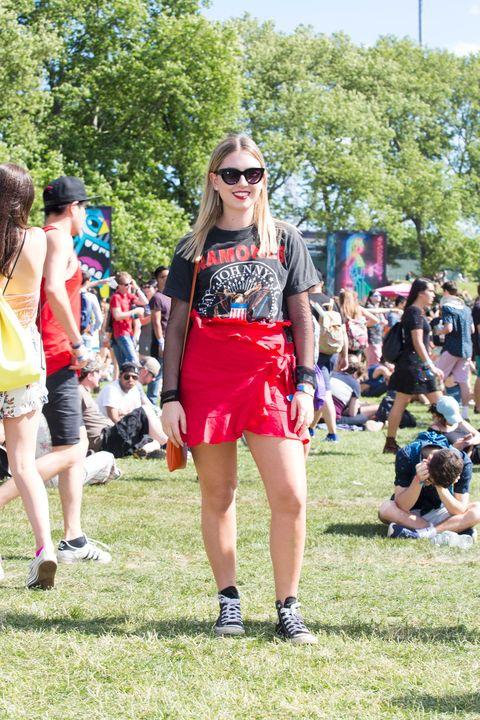 Fashion, Street fashion, Summer, Sunglasses, Event, Fun, Grass, Recreation, Shorts, Eyewear,