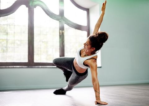 Human leg, Shoulder, Performing arts, Joint, Entertainment, Elbow, Physical fitness, Knee, Flooring, Active pants,