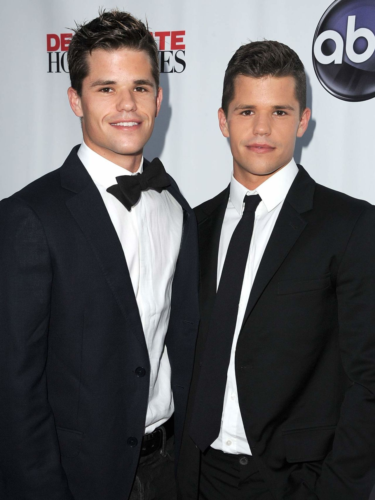 Carver twins dating each other