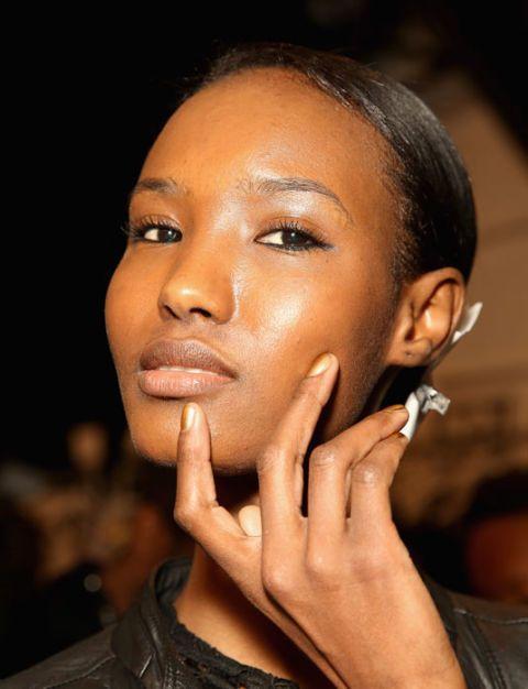 19 Beauty Tricks - Skincare Tips