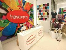 efe8eb86c49672 Get Customized Havaianas at the Gap