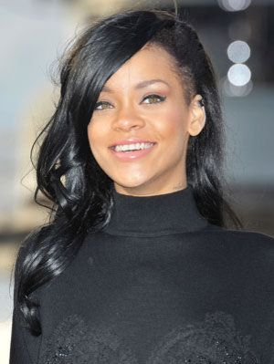 Rihanna\'s New Black Hair - Pics of Rihanna