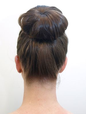 Secret Trick To Doing The Donut Bun How To Style A Donut Bun