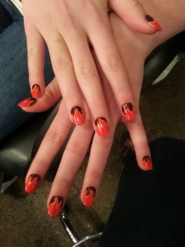 Willow Shields Catching Fire Nail Art Hunger Games Nails