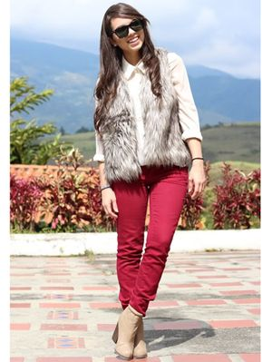 71dc6fe1a2e16 Holiday  OOTD Inspo  How To Look Cute When It s Cold Out With Faux Fur