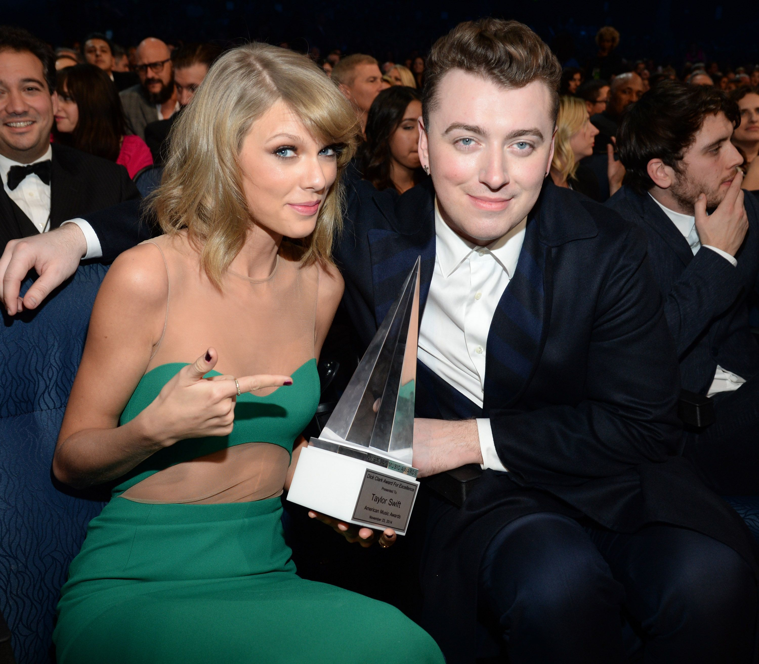 Sam Smith And Taylor Swift Bond Over Ariana Grande - Taylor