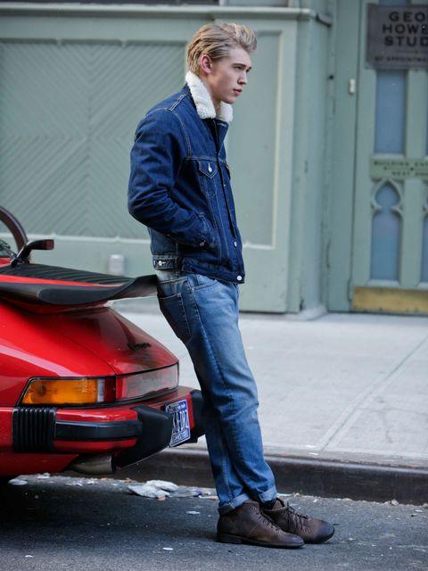 Denim, Jeans, Shoe, Jacket, Fender, Automotive tail & brake light, Street fashion, Automotive parking light, Bumper, Pocket,