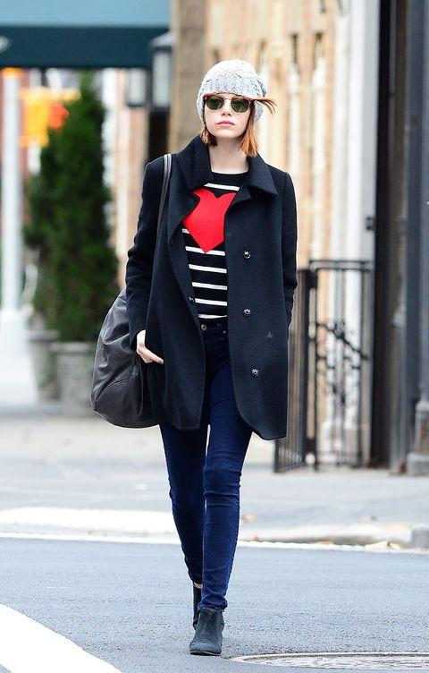 Clothing, Sleeve, Textile, Outerwear, Collar, Coat, Style, Street fashion, Sunglasses, Street,