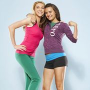 Clothing, Leg, Sleeve, Human leg, Shoulder, Shoe, Sportswear, Textile, Standing, Joint,
