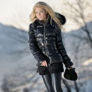 Clothing, Winter, Sleeve, Human body, Jacket, Textile, Joint, Outerwear, Bag, Style,
