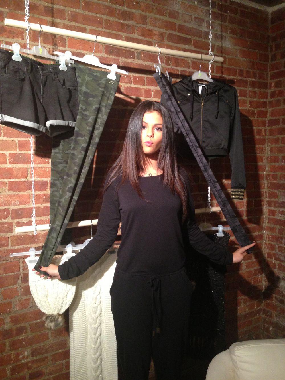 Emigrar ambición Maletín  Selena Gomez Adidas Neo Fall/Winter 2014 Collection - Selena Gomez Adidas  Neo NYFW Runway Fashion Show