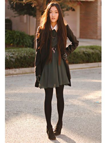 Clothing, Brown, Sleeve, Human body, Textile, Outerwear, Human leg, Style, Street fashion, Knee,