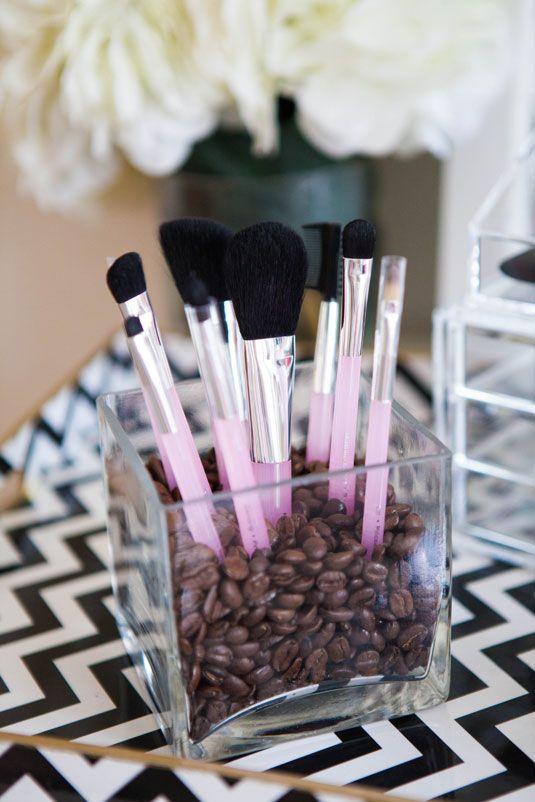 22 Cute Ways To Store Makeup