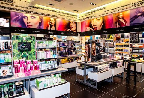 Interior design, Advertising, Shelf, Display device, Retail, Trade, Gadget, Shelving, Electronics, Media,