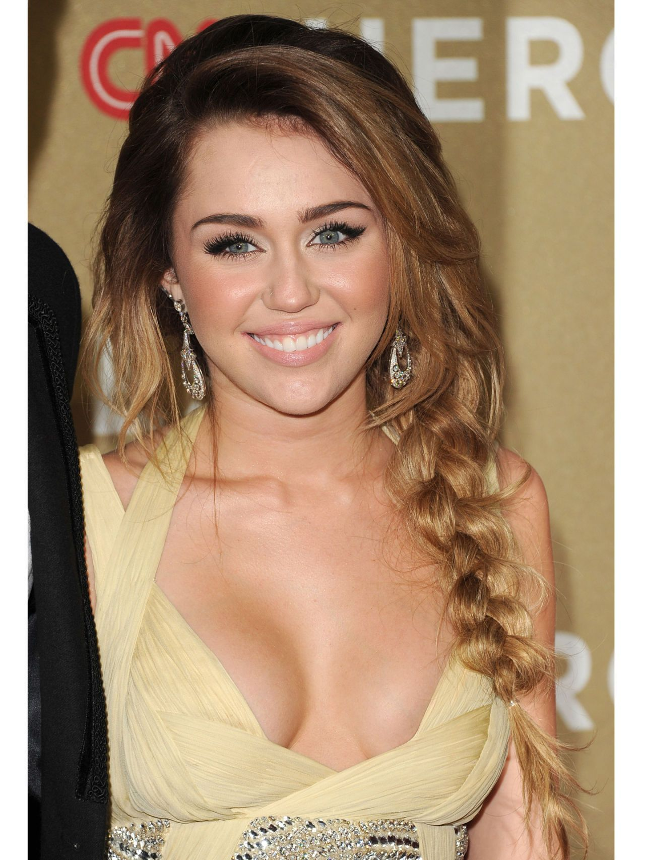 Miley Cyrus Beauty Makeover Pics Of Miley Cyrus