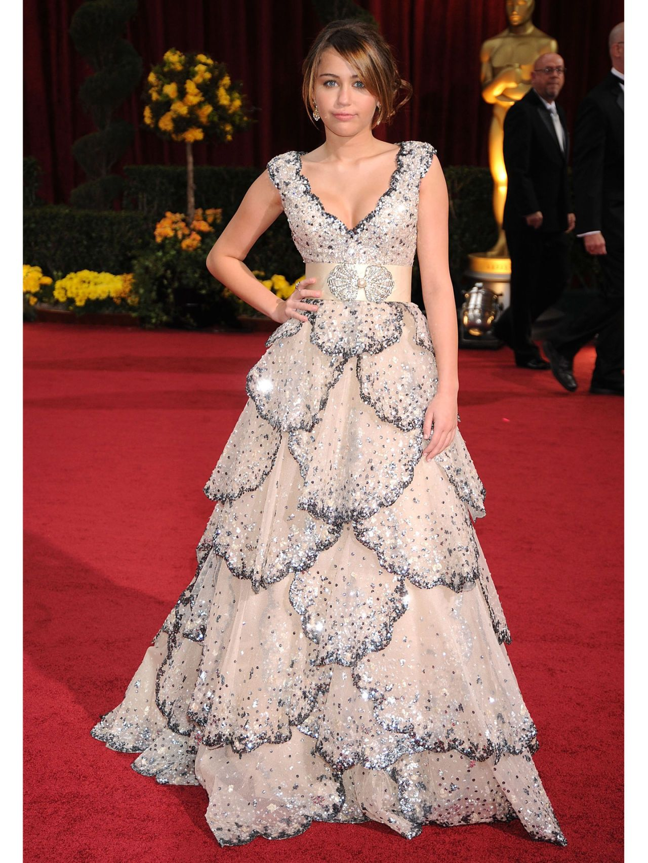 Miley cyrus fashion and style miley cyrus dress for the oscars