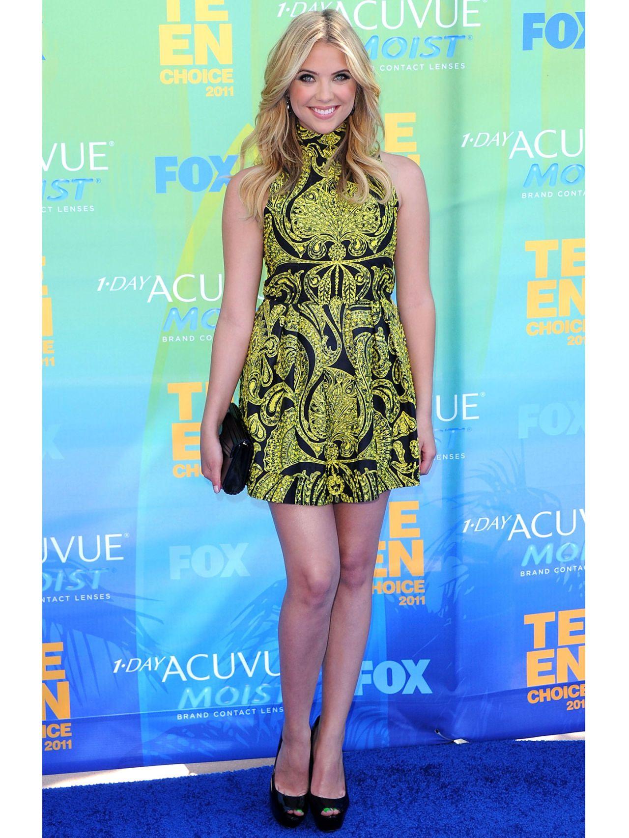 Ashley Benson Style Pictures - Ashley Benson Fashion Makeover