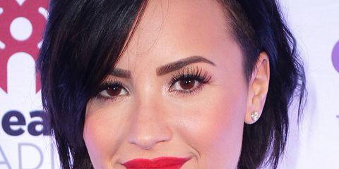 Nose, Mouth, Lip, Cheek, Hairstyle, Chin, Forehead, Eyelash, Eyebrow, Balloon,