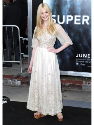 elle fanning at super 8 movie