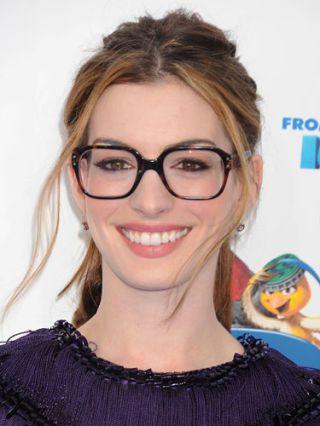 Anne Hathaway headshot
