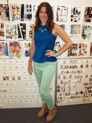 Shoulder, Textile, Joint, Style, Waist, Fashion, Sleeveless shirt, Pattern, Beauty, Boot,