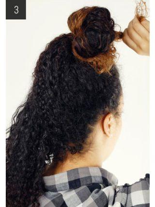 Hair, Hairstyle, Plaid, Tartan, Mammal, Style, Collar, Pattern, Wrist, Long hair,